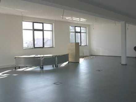 Sonniges helles Großraumbüro mit ca. 100m²! Teilbar! Gesamt ca. 140m²!