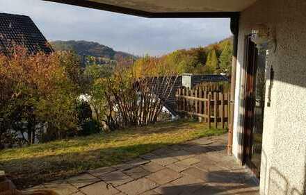 Attraktive 2,5-Zimmer-Wohnung mit Terrasse und Einbauküche in Spiegelberg