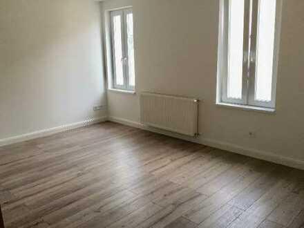 RB2! Frisch saniertes Apartment in zentraler Lage Friedbergs!