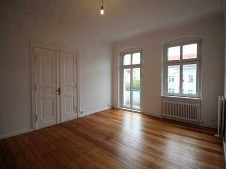 WG geeignet ! 2 Zimmer Wohnung mit Balkon