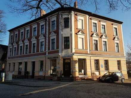 2 charmante komfortable Wohnungen im saniertem Altbau, zentral gelegen!