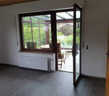 Schöne, geräumige fünf Zimmer Wohnung in Ammerland (Kreis), Rastede