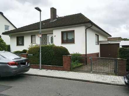 Noch kurze Zeit provisionsfrei - Schönes Haus mit 4-5 Zimmern in Offenbach (Kreis), Dreieich