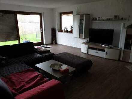 Gepflegte 3-Zimmer-EG-Wohnung mit Balkon und Einbauküche in Tiefenbach/Illertissen
