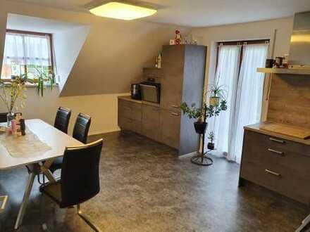 Wunderschön geschnittene 3,5 Zimmerwohnung in ruhiger Lage mit neuer Einbauküche