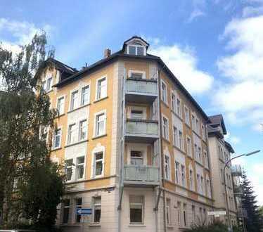 Wunderschön geschnittene, lichtdurchflutete Wohnung mit Balkon und Blick auf den Prinzenpark