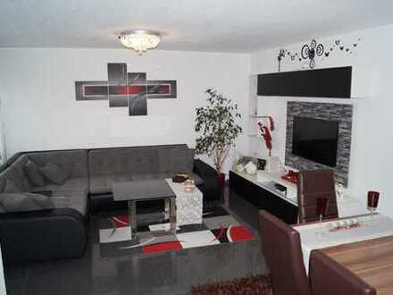 ***Provisionsfrei*** Ansprechende 3-Zimmer-Wohnung mit Balkon und Einbauküche in Pforzheim