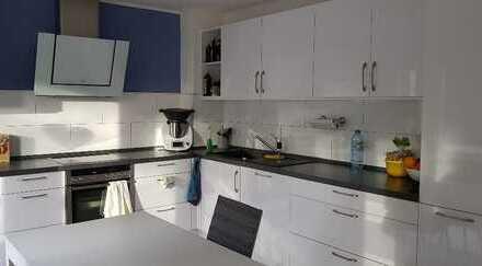 TOP sanierte 3 Zimmer-Etagenwohnung in ruhiger Lage von MG-Neuwerk !!!
