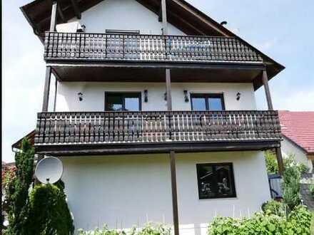 Außergewöhnliche 3-Zimmer-Maisonette-Wohnung mit 2 Balk, toller EBK, GästeWC in Wackernheim