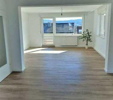 Alles neu! Schicke, helle 3-Zimmer-Wohnung mit großem Über-Eck-Balkon