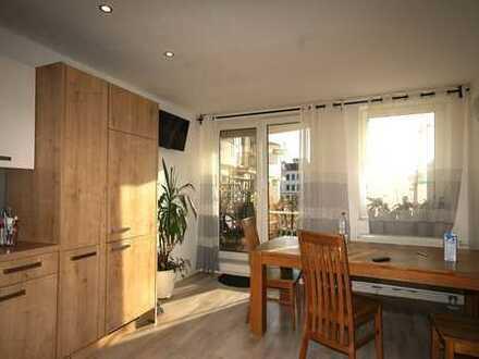 Sonnige helle Wohnung mit grüner Terrasse, 2 Balkonen und Stellplätze für KFZ