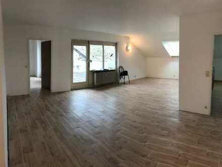 - 3,66% Rendite - 2-Zimmer-Wohnung in ruhiger Lage von Bad Dürrheim ++ Dachterrasse