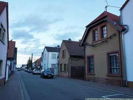 Endlich Platz für die Familie (und Geschäft) - 2 Einfamilienhäuser in Heßheim