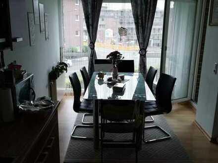 Porz, 2 Zimmer, Wohnküche, Wannenbad, Balkon, Aufzug, TG-Stellplatz