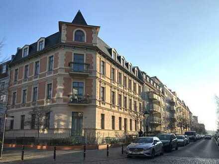 *Reserviert * Sanierter Altbauklassiker bietet vermietete Balkonwohnung im Babelsberger Kiez