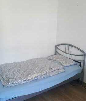 möbliertes 14qm Zimmer