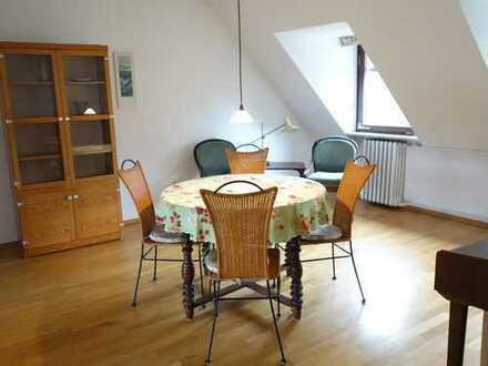 Bestlage Lindenhof - TEILMÖBLIERTE 4 Zimmerwohnung mit Balkon inkl. Heizung und aller Nebenkosten!