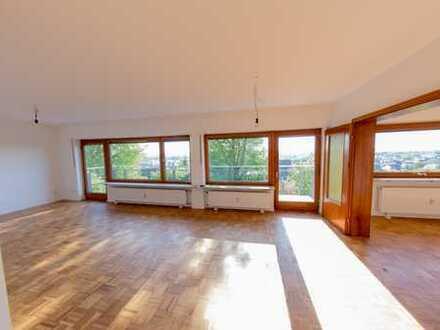 Erstbezug nach Sanierung mit Balkonblick über Rheinebene: attraktive 6-Zimmer-Wohnung in Leimen
