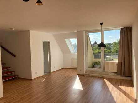 Schöne, helle 2-Zimmer-Maisonette-Wohnung mit Balkon