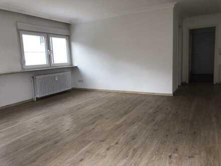 Vollständig renovierte 2,5-Zimmer-Maisonette-Wohnung mit großem Balkon in Birkenfeld