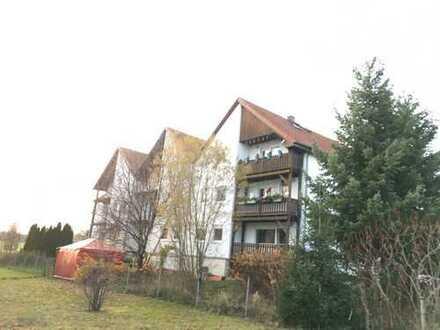 Dachgeschosswohnung im 3- Familienhaus mit Ausbaureserve im Spitzboden