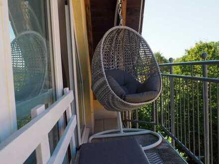 Vollmöblierte 3 ZKB-Dachgeschosswohnung mit 2 Balkonen