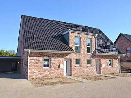 Neubau- Doppelhaushälfte mit moderner Einbauküche und Carport in Bad Zwischenahn/ zentrumsnah