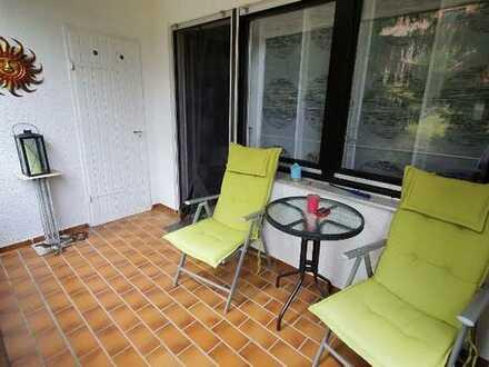 Stilvolle, neuwertige 2-Zimmer-Wohnung mit Balkon und EBK in Unterreichenbach