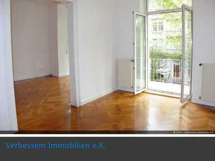 Klassische sanierte 5-Zimmer-Altbauetage in Wi-Dichterviertel