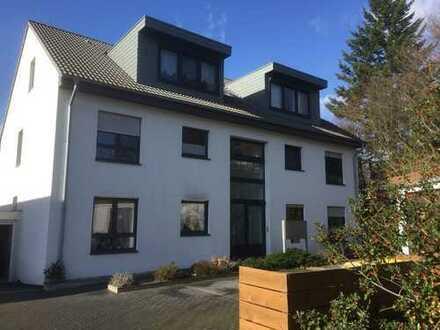Lintorf, hochwertige 3 Zimmerwohnung mit Terrasse / Garten