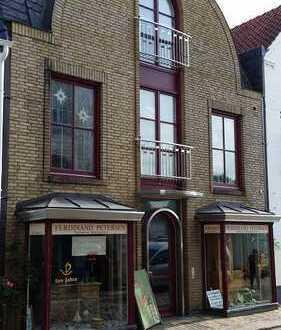 Ein Diamant in Husum!! exclusives Wohnhaus mit extravagenter Innenausstattung am Husumer Hafen!