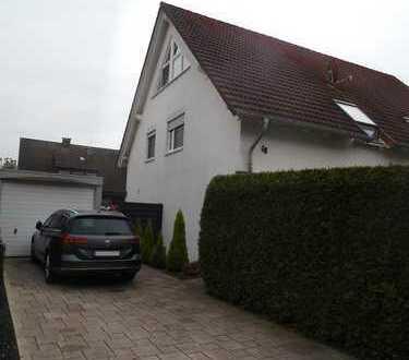 Großzügige, sehr moderne DHH mit großer Terrasse, Garten, Garage, Gartenhaus in der Schwerterheide