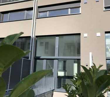 NEUBAU in Alt-Refrath / Spielstraße - Wohnung auf 4 Etagen mit Loftcharakter - inkl. Design-Küche