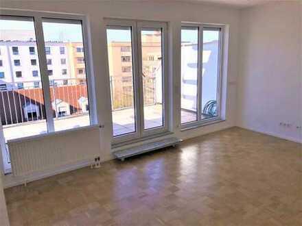 Ideal für Pendler: Helle, ruhige Dachterrassen-Wohnung Nähe BMW-Vierzylinder