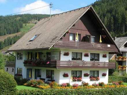 Traditionelles Gästehaus (Pension) in beliebter Ferienregion des Schwarzwaldes