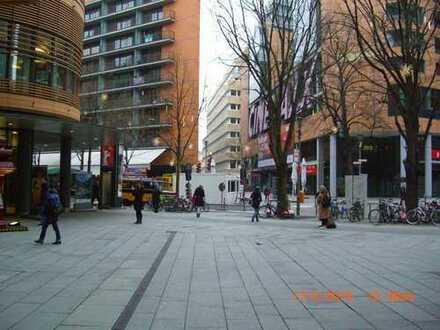The best Place of Berlin! Laufendes Restaurant in exzellenter Lage, gegen Betreiber-Ablöse abzugeben