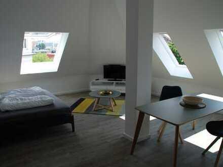 Schöne 1-Zimmer Dachgeschosswohung in Friedrichshain, möbliert