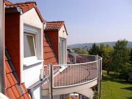 """Große Wohnung mit 3 Balkonen und """"En Suite""""-Bereich mit separatem Eingang"""