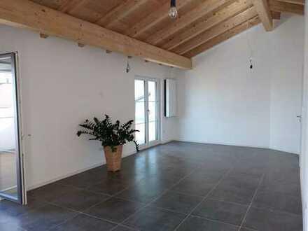 4-Zimmer Neubau Dachgeschosswohnung mit EBK und Terasse
