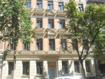 Schöne sanierte 4,5-Zimmer-Wohnung mit 2 Balkonen und EBK in Leipzig Volkmarsdorf