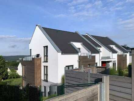 Modern Wohnen mit Traumblick, Top-Maisonette-Wohnung mit Hauscharakter