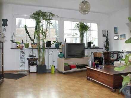 +++Vielseitig nutzbares Haus ! 2 getrennte (Wohn)Einheiten mit Gewerbe/Lagermöglichkeiten!