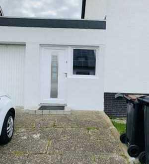 Sanierte 1-Raum-Wohnung mit Einbauküche in Frankenthal