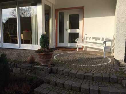 Traumhafte Haushälfte in Jöllenbecks schönster Lage