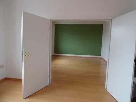 Moderne Wohnung in einem 3-Parteien-Haus
