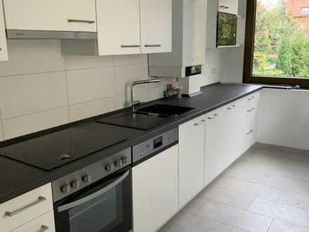 Erstbezug nach Renovierung: 3-Zimmer-WG mit neuer Einbauküche und Waschmaschine