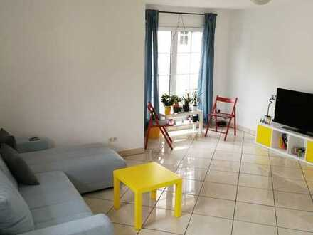 900 €, 120 m², 3 Room(s)