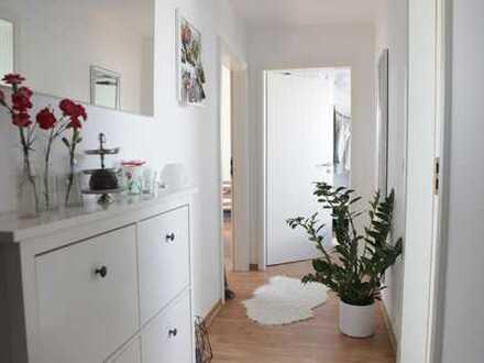 Singles aufgepasst: 2 ZKB Wohnung im DG inkl. Einbauküche