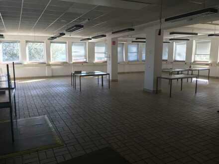 Verwaltungsgebäude mit Lager-/Produktionsräumen
