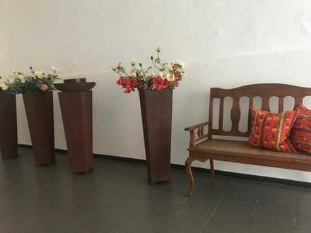 Moderne, stilvoll möblierte, neuwertige 2-Zimmer-Wohnung mit Einbauküche in Amberg